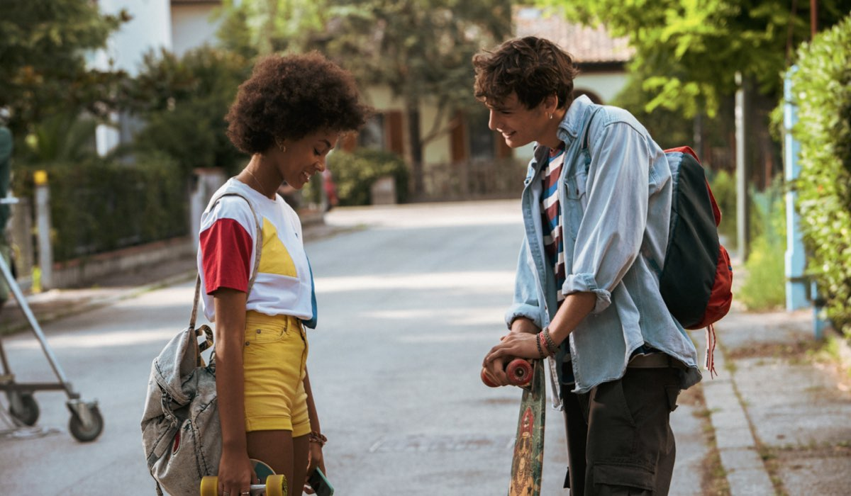 Da-sinistra-Coco-Rebecca-Edogamhe-e-Giovanni-Maini-in-Summertime.-Credits-Netflix