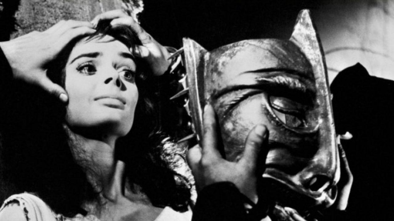 La maschera del demonio. Leggi la recensione di cinemando dell'esordio del maestro Mario Bava datato 1960 con Barbara Steele.
