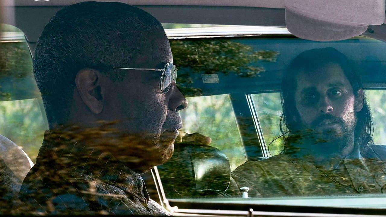 Denzel Washington e Jared Leto in Fino all'ultimo indizio. Leggi la recensione completa del thriller di John Lee Hancock.