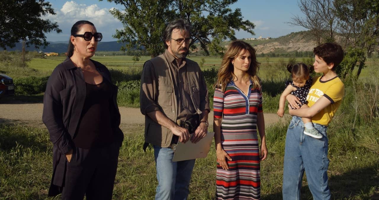 Madres Paralelas - Cinemando.blog